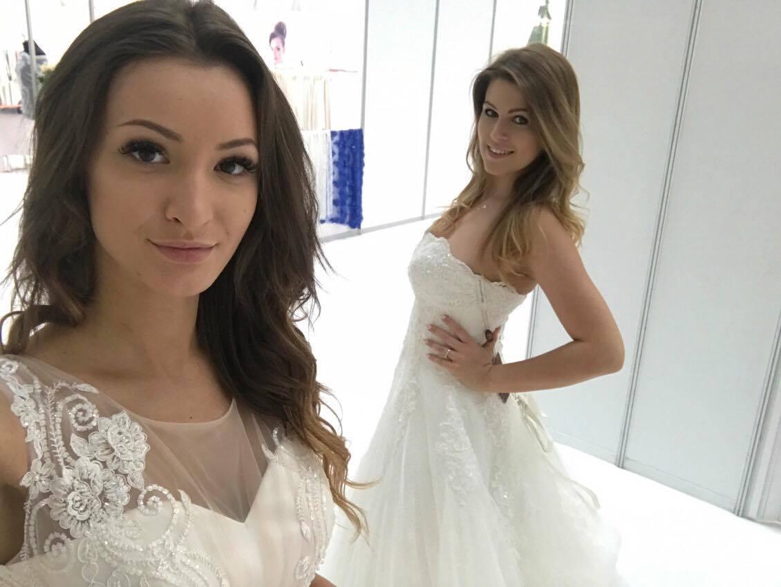 Suknie ślubne, Targi Bridal Fashion, modelki w sukniach ślubnych, Bridal Fashion Warszawa, Targi Ślubne, Suknia ślubna, modelka w sukni, piękne suknie ślubne